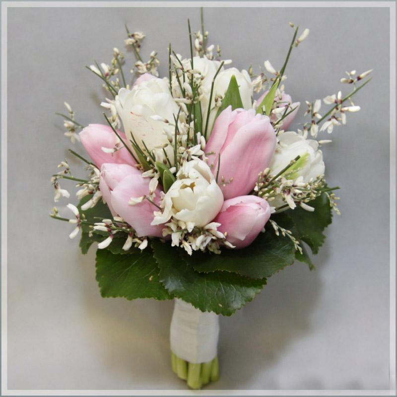 Цветы в спб дешевоНедорогие букеты с доставкой