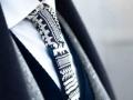 Вязанный галстук в черно белых тонах