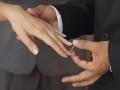 У католиков кольцо носят на левой