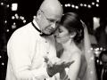 Папа сможет поздравить дочку и во время танца