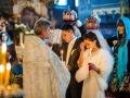 Молодым, необходимо молиться о счастливом браке перед Богом вместе со священником