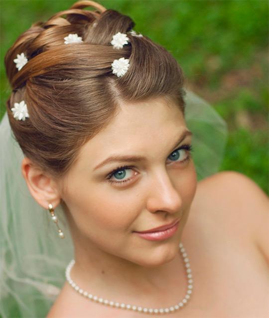 Свадебные прически на короткий волос с фатой видео