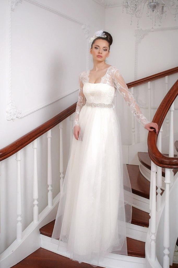 Свадебная прическа по платье ампир