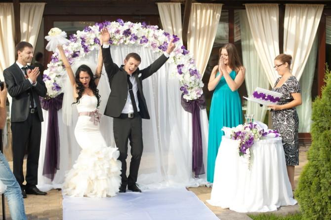 Главное чтобы поздравления со свадьбой были от души, и тогда они обязательно понравятся молодоженам