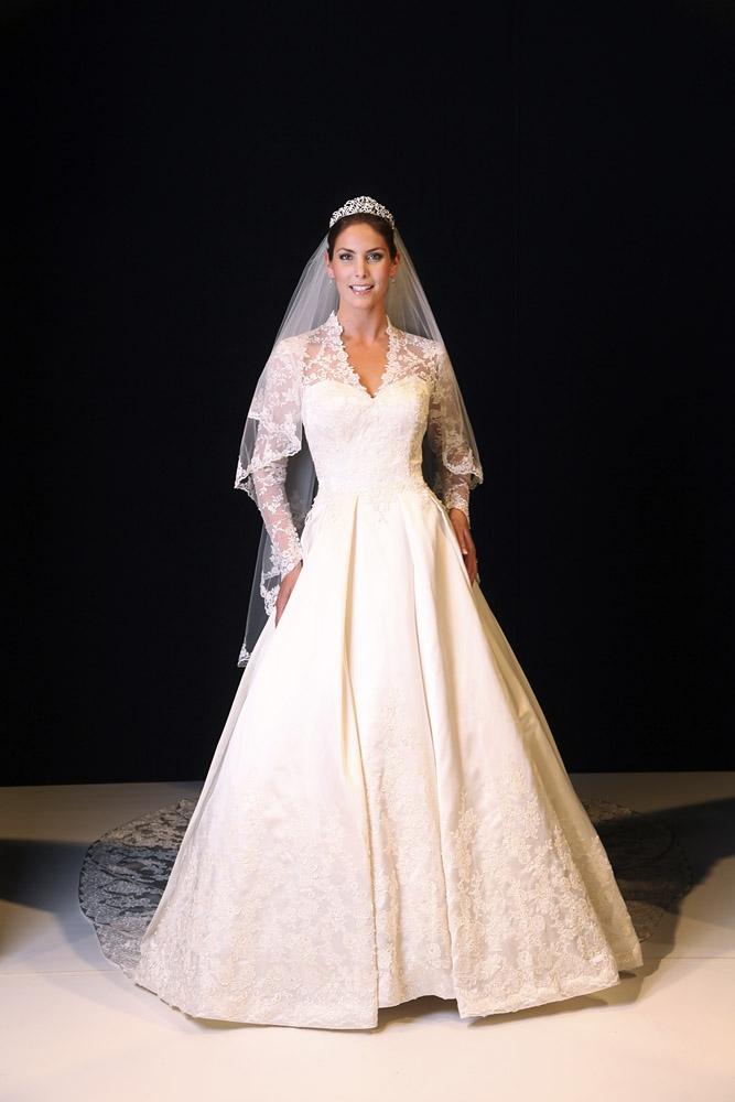 A силуэт - классика кружевной свадебной моды