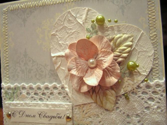 Скрапбукинг придает свадебной открытке незабываемый флёр
