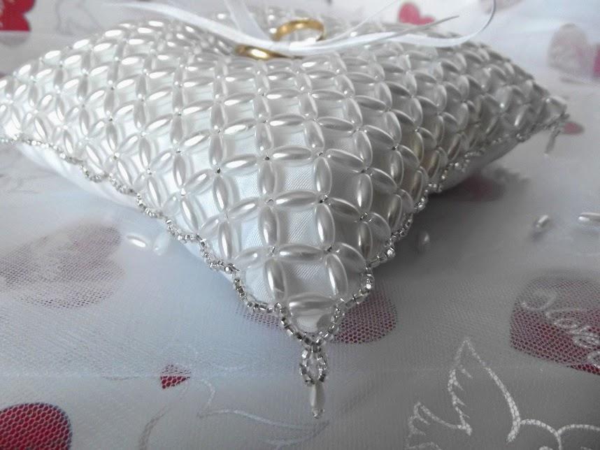 Применение бисера и других современных элементов декора принесет замечательный результат