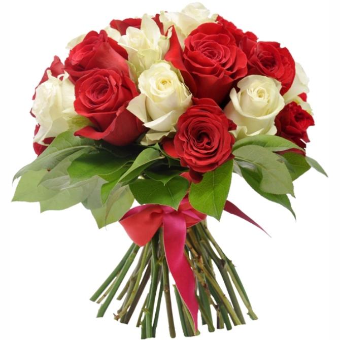 В букете обязательно присутствие красных роз, остальная компоновка по желанию