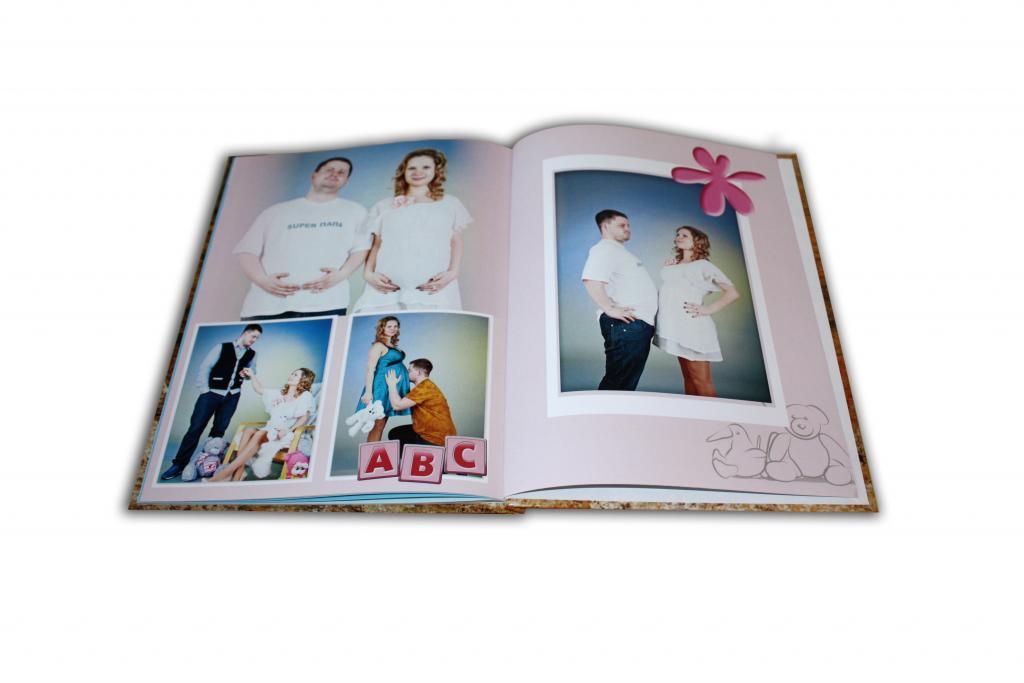 Внутренние странички фотоальбома можно выполнить в виде фотокнижки