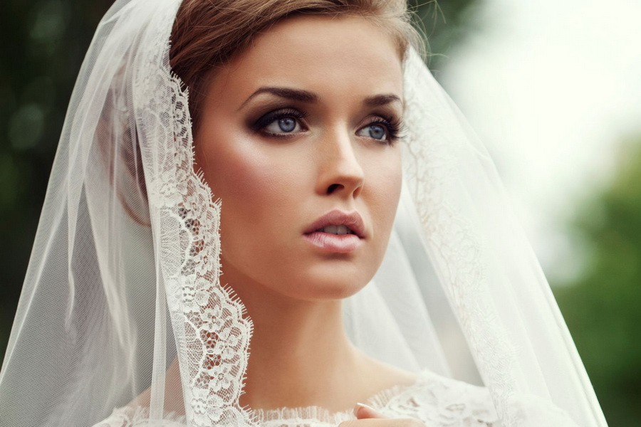 Свадебные прически на средние волосы под фату