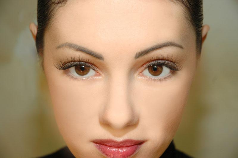 Перманентный макияж подойдет девушкам, которым природа уже подарила большие сияющие глаза