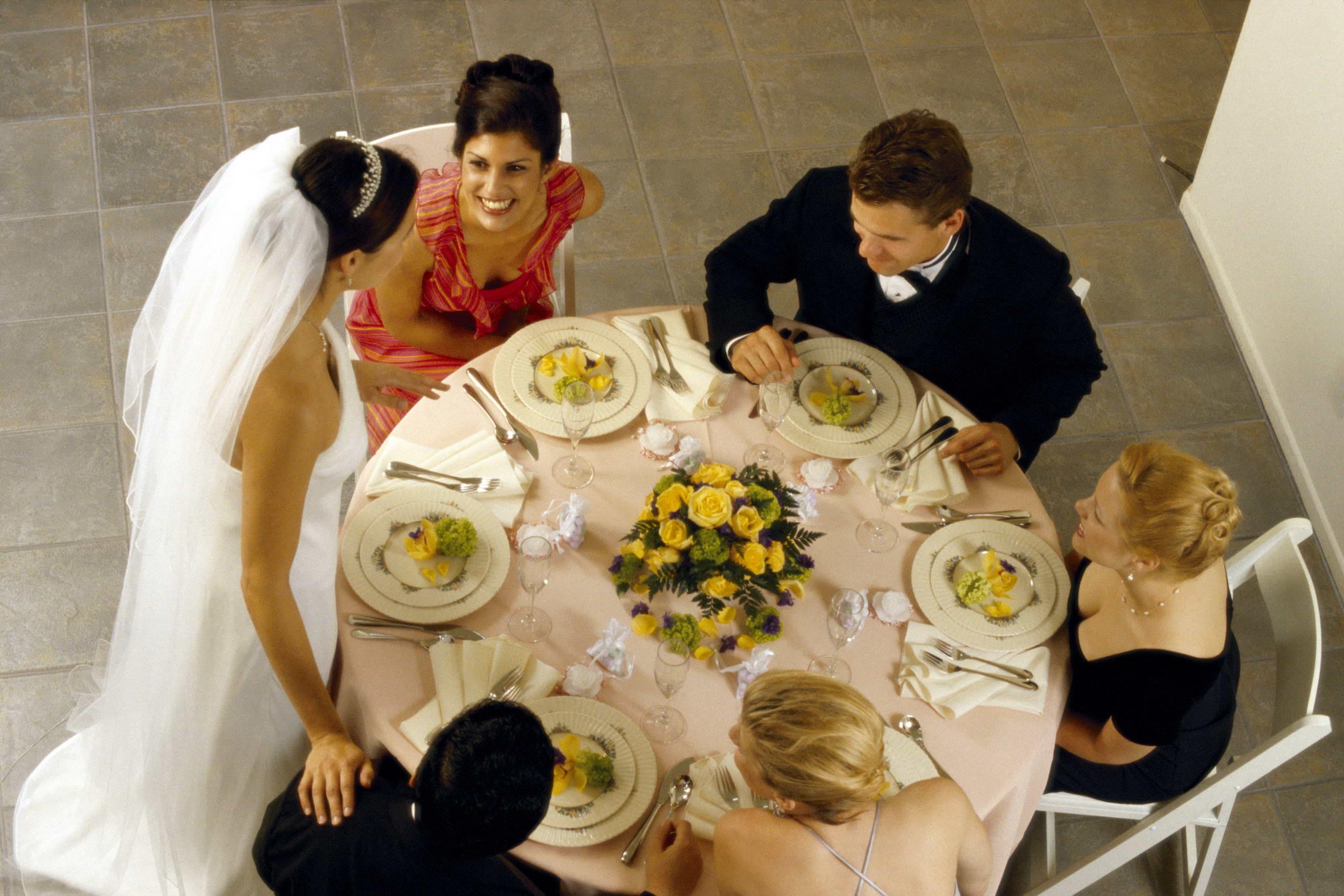 Поддержка родственников и близких самое главное в дальнейшей жизни молодой пары