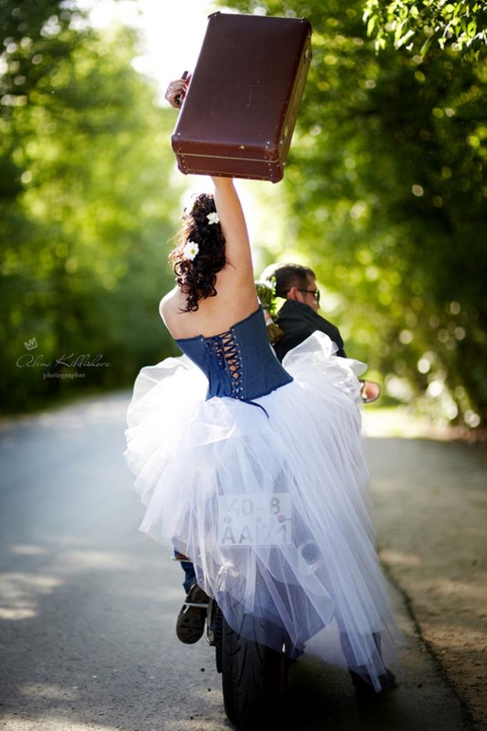 В заботливых руках любящих супругов - кожаная свадьба всего лишь ступень к великим свершениям