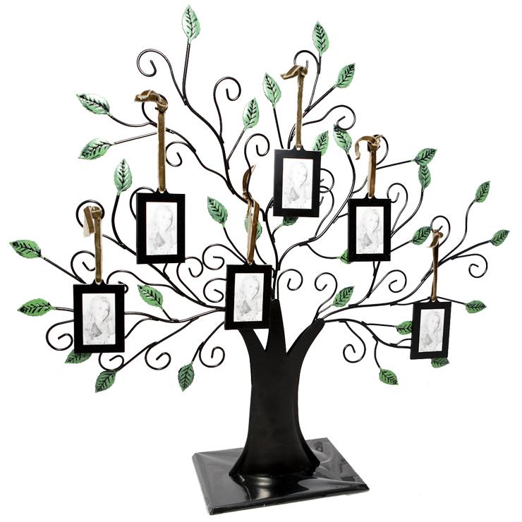 Символом торжества может стать семейное дерево с фотографиями
